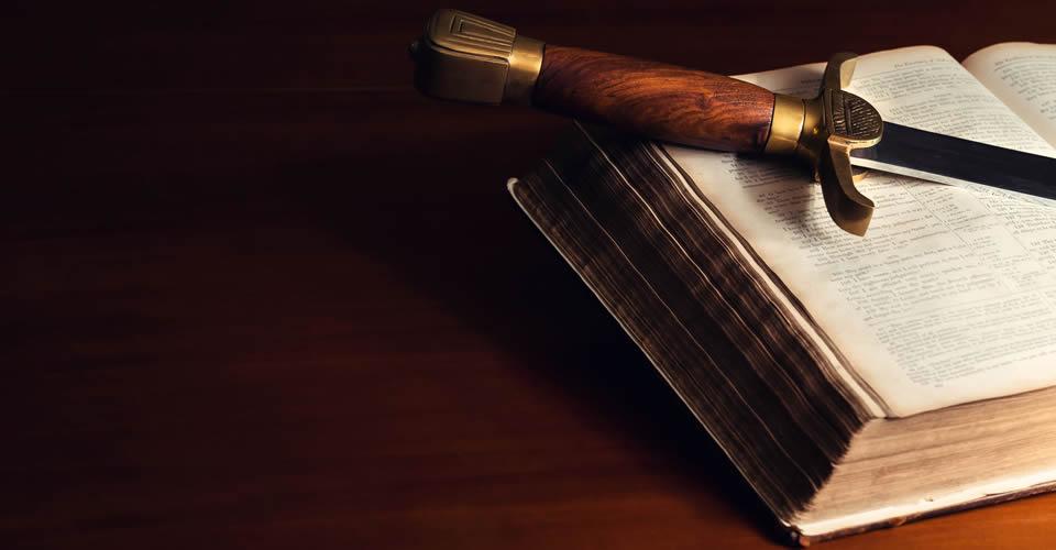 bible-knife-960x500.jpg